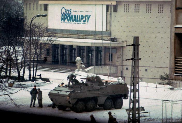 Więcej o: Stan wojenny – 13 grudnia 1981